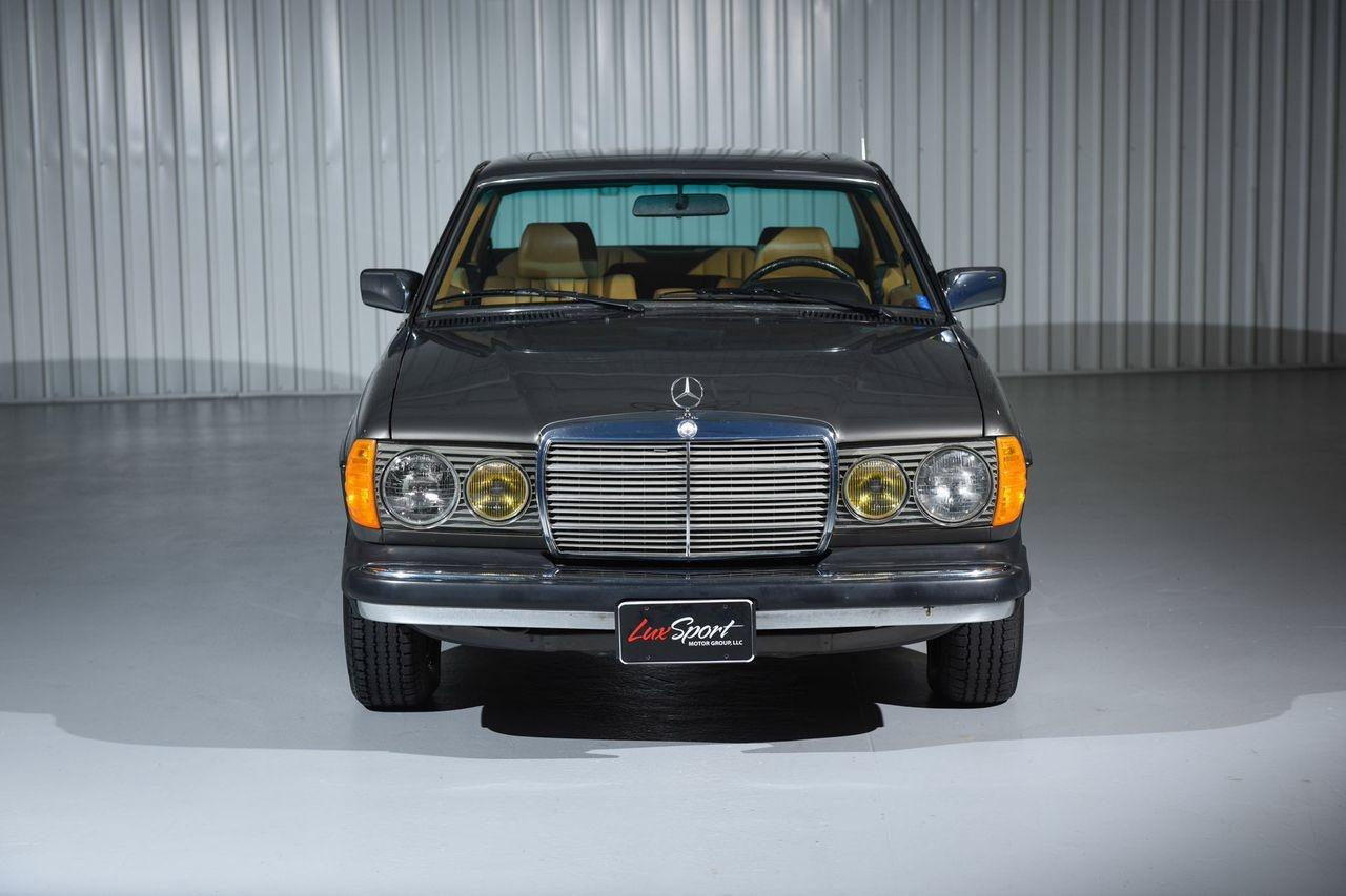 1985 mercedes benz 300cd coupe 300cd stock 1985101 for for Mercedes benz nearby
