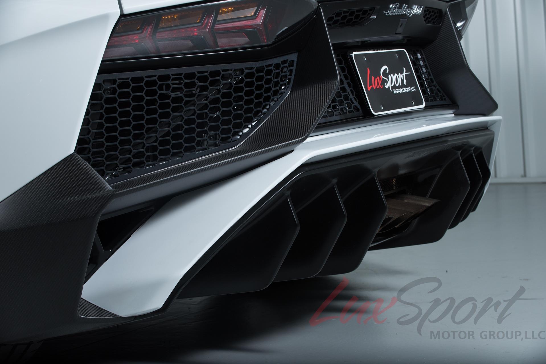 Used 2016 Lamborghini Aventador SV LP 750-4 SV | New Hyde Park, NY