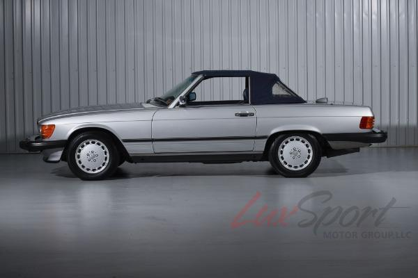 Used 1987 Mercedes-Benz 560SL Roadster  | New Hyde Park, NY