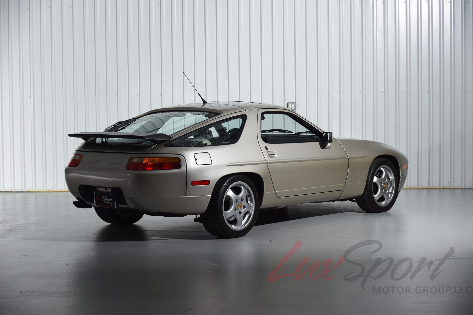Used 1990 Porsche 928S4 Coupe  | New Hyde Park, NY