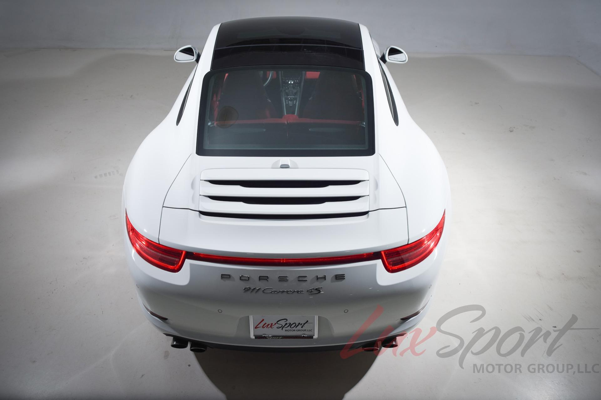 Used 2016 Porsche 911 Carrera 4S Coupe  | Syosset, NY