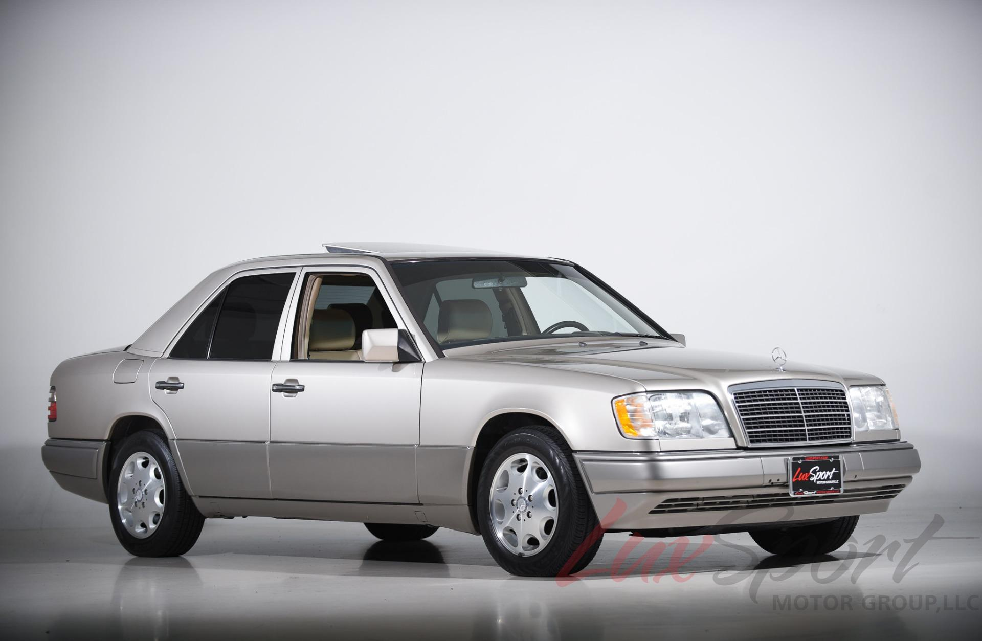 Used 1995 Mercedes-Benz E320 Sedan  | Syosset, NY