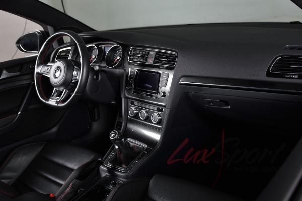 Used 2015 Volkswagen Golf GTI SE | Syosset, NY